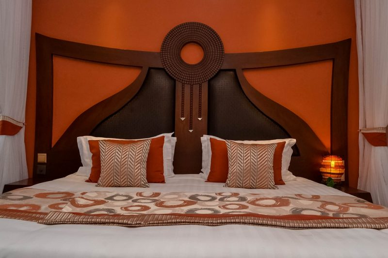 How to Tuck Pillowcases Like Hotels