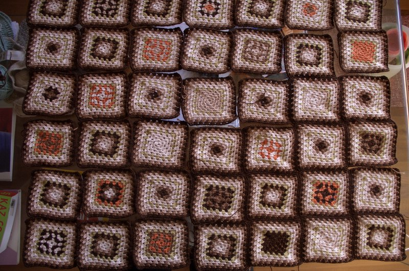 how many granny squares to make a blanket