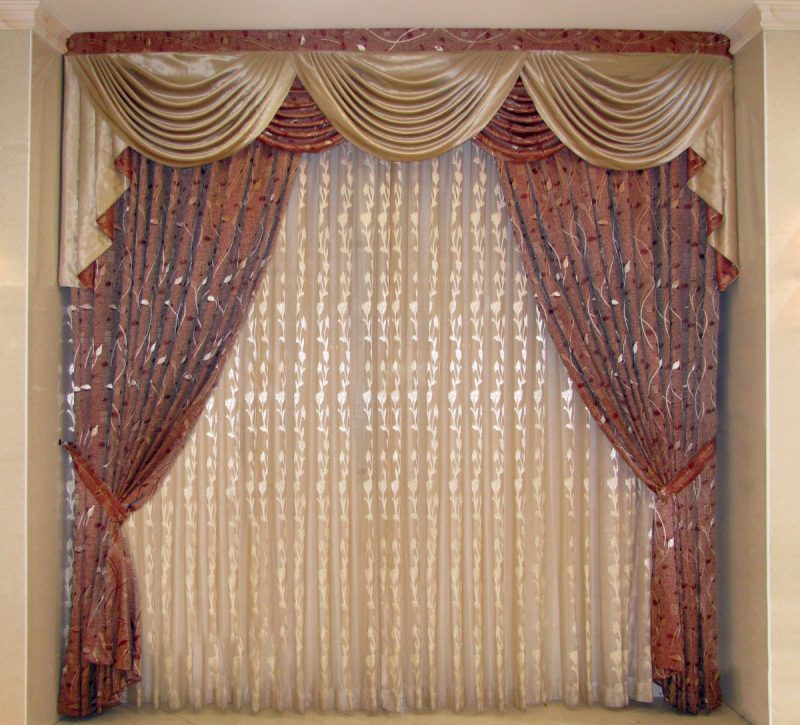 how to decorate curtains