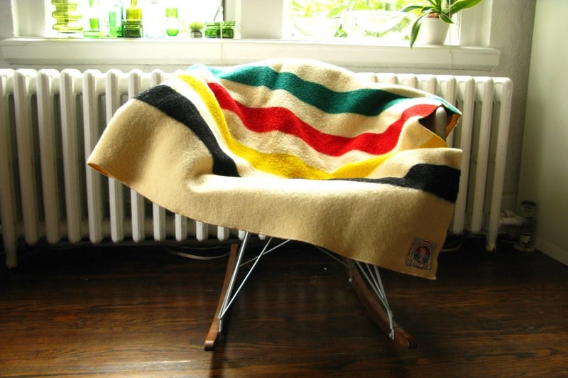 how to tell the age of a pendleton blanket