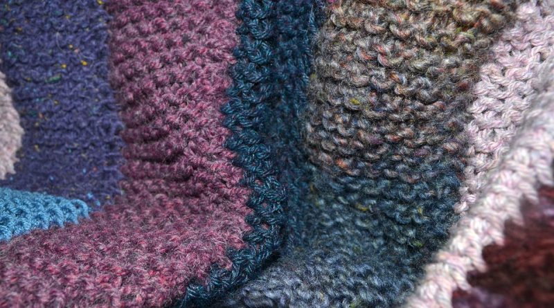 how to block a knitted blanket