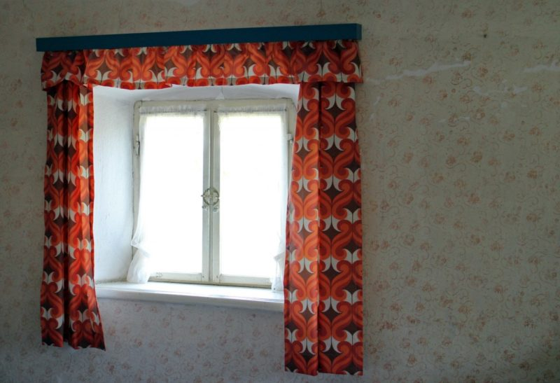How to hang curtains on concrete walls