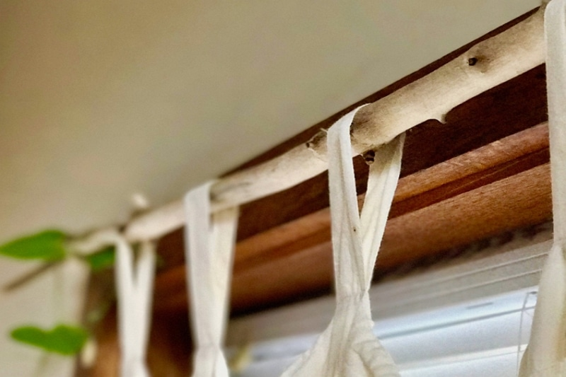 how to hang curtains without making holes