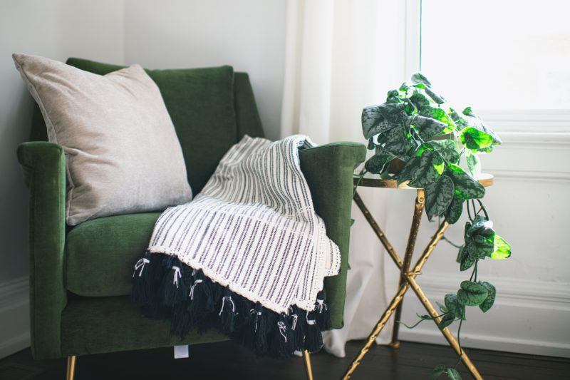 sage green walls and what color curtains