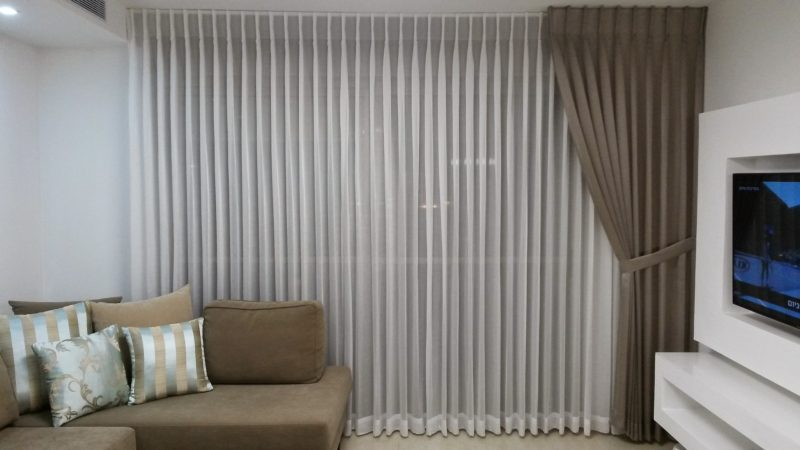 how much fabric for curtains