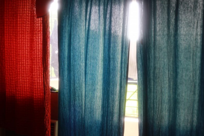 how to hang pinch pleat curtains
