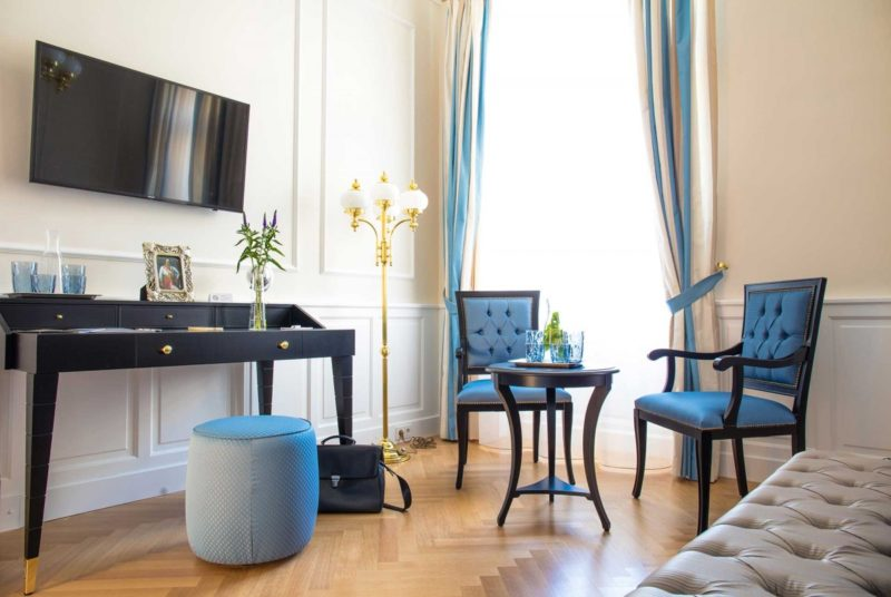 what color curtains go with black furniture