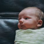 4 Ideas What Type Of Blanket To Use For Swaddling?